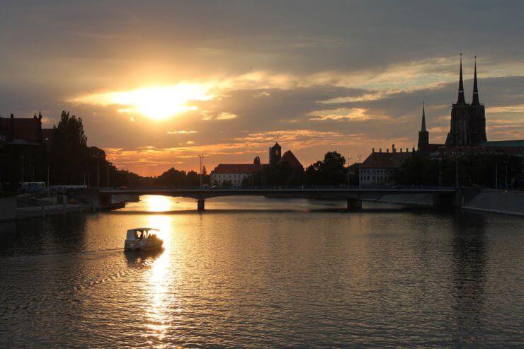Pływanie motorówką po Odrze - Wrocław